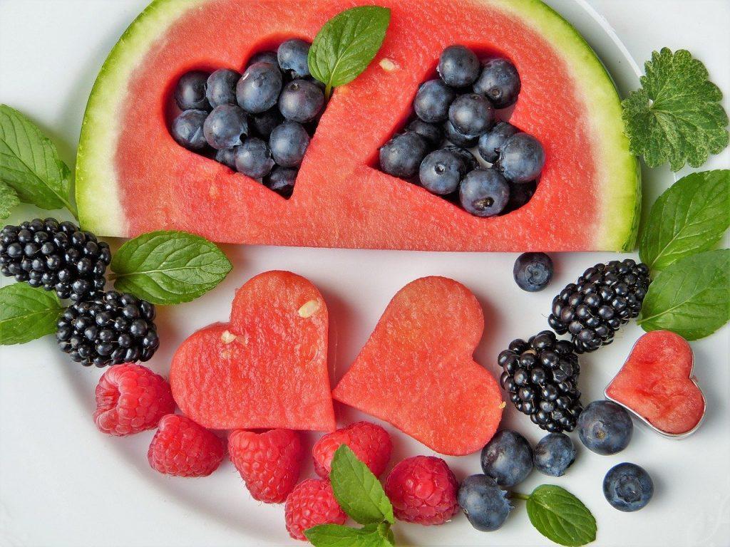 La fruta de temporada para el postre siempre es la mejor opción porque tienen más sabor