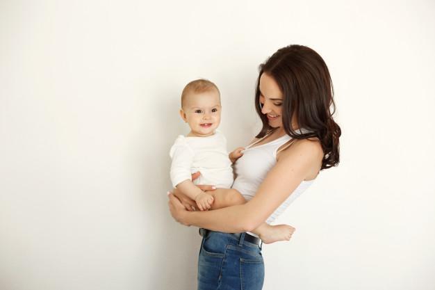 leche materna y cereales de bebé