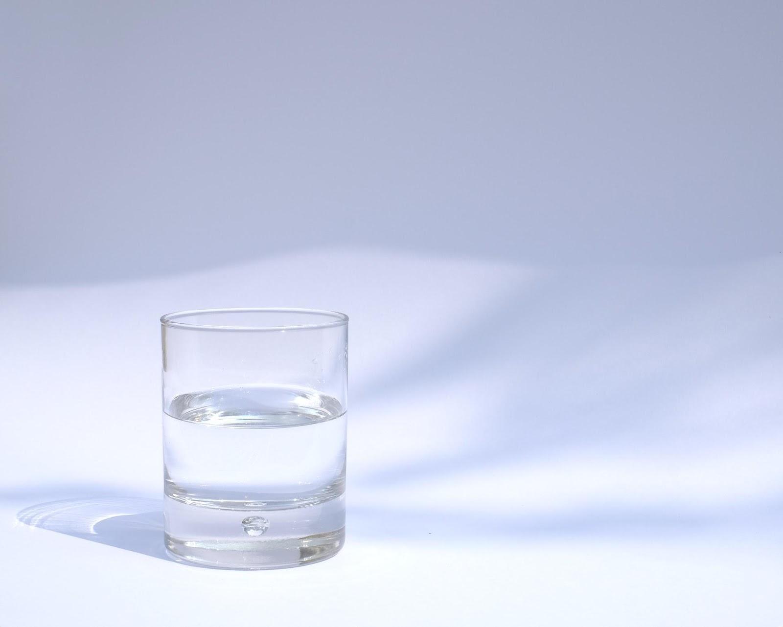 El agua de mineralización muy débil es perfecta para preparar alimentos infantiles