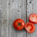 Las tortillitas de tomate son fáciles de preparar