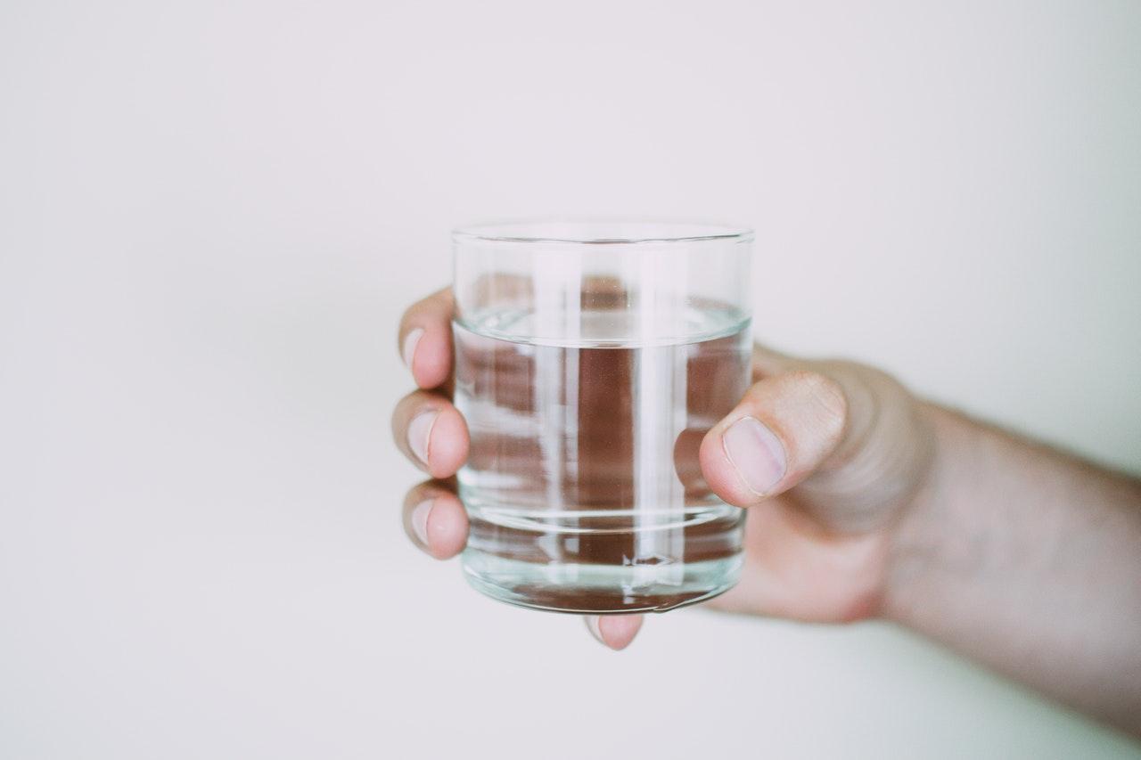 Dependiendo del tipo de agua mineromedicinal se puede administrar por vía oral, respiratoria o cutánea