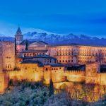 Una de las escapadas de invierno imprescindibles en España es Granada