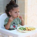 El baby led weaning es un método de alimentación a demanda del bebé